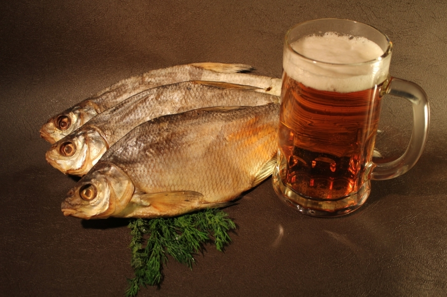 Прикольные картинки рыбка с пивом, надписью садик открытка