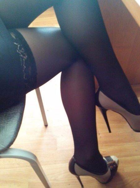 ножки в чулках фото частное
