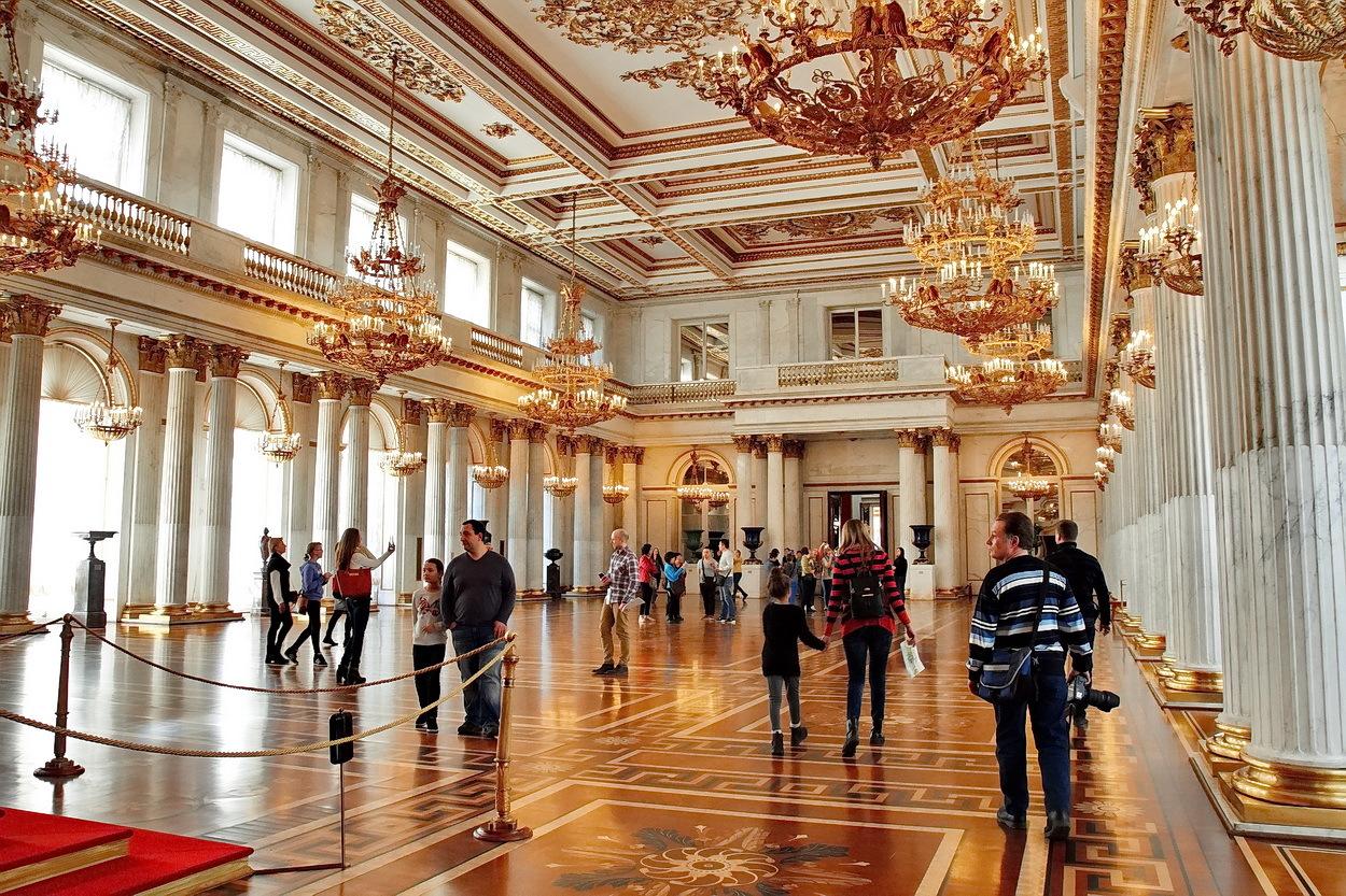 Московская консерватория малый зал фото икону подарок