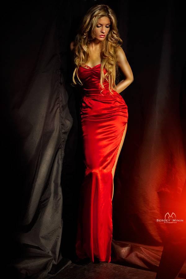 Смотреть фильм девушка в красном платье