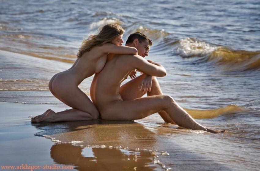 Wet nude couple