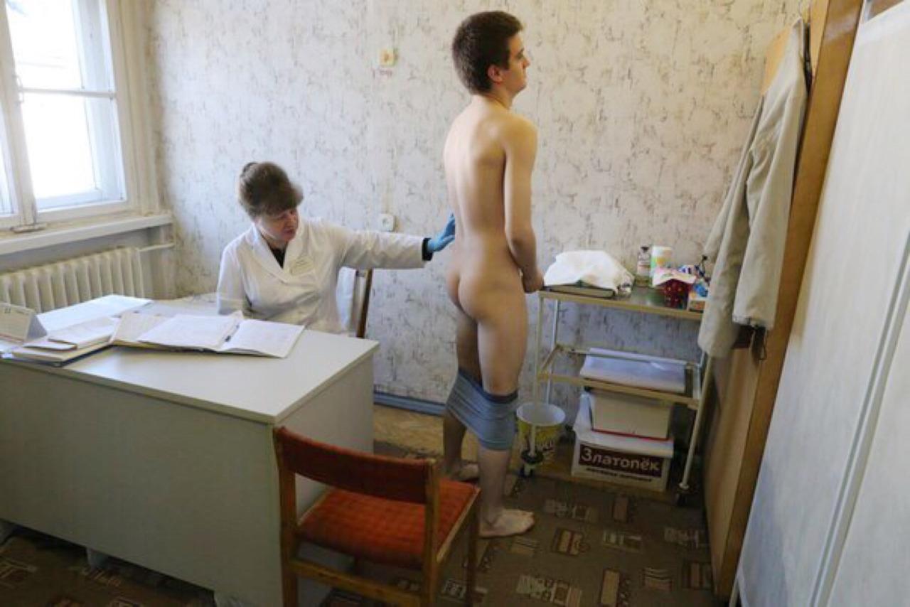 Порно видео медсестра в военкомате